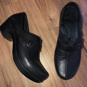 Dansko slip on black leather low heels w/ buckles
